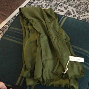 Max studio green long green scarf
